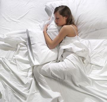 """""""חייבים לזכור ששינה בנפרד היא דבר בעייתי"""" (צילום: shutterstock)"""