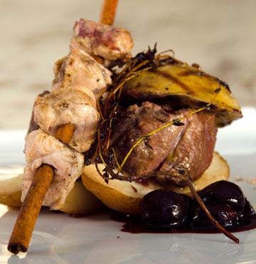פילה בקר, כבד אווז ושקדי עגל במרקחת ענבים ויין  (ניצן אשוח-שאול)