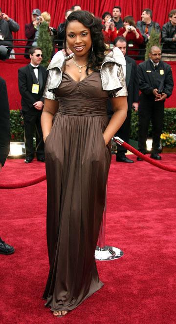 2007. בשמלה ועליונית של אוסקר דה לה רנטה על השטיח האדום (צילום: gettyimages)