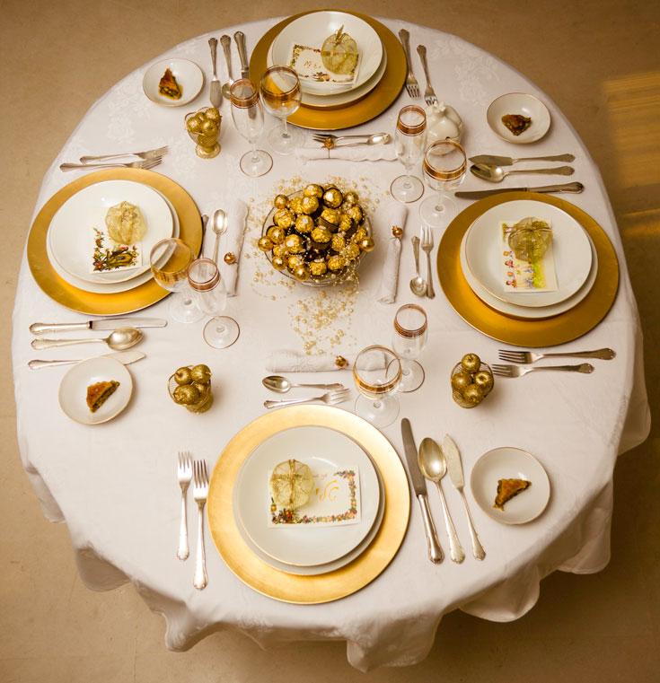 הפתעה מתוקה לכל אורח. השולחן (צילום: יוחי מנדיל)