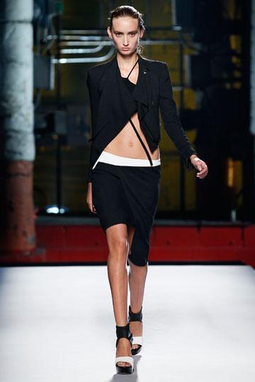 תצוגת האופנה של הלמוט לאנג. המינימליזם נשמר (צילום: gettyimages)