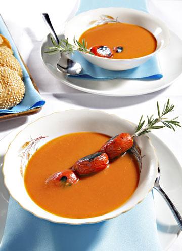 מרק עגבניות קלויות (צילום: עמי סיאנו, סגנון: שניר שרוני)