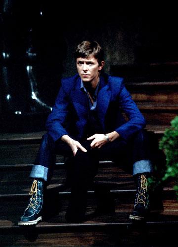 דיוויד בואי, 1977. כוכב רוק, מוזיקאי ואייקון אופנה (צילום: rex / asap creative)
