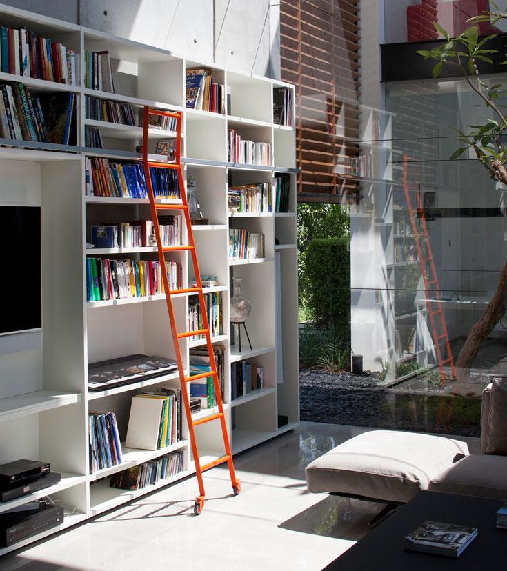ריהוט: B& Bאיטליה, mdf Italy, Porro. תכנון תאורה: אילון גביש. אדריכלות נוף: שלומי פינטו. מהנדס: בוקי שניר  (צילום עמית גרון)