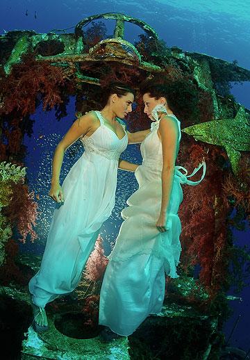 מתחת למים. ארז עובדיה (צילום: שרון ריינס)