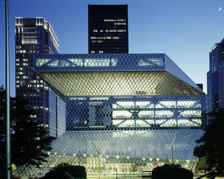עוד פרויקט נודע של המשרד הוא הספרייה המרכזית של סיאטל, ארה''ב. הפנים הכתיב את החוץ, בניגוד למקובל פעמים רבות (צילום: philippe ruault)